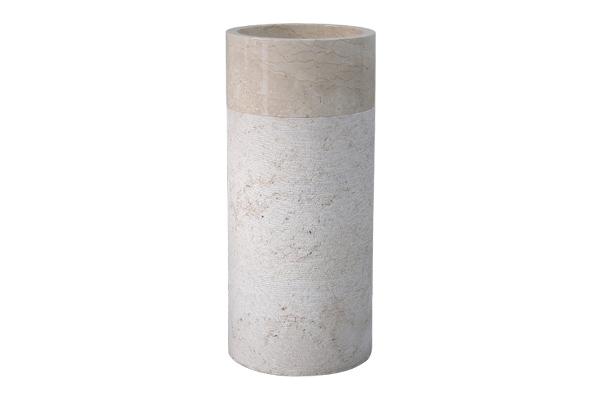 Lavabo trụ đứng bằng đá tự nhiên Chất liệu mài đục từ đá nguyên khối, đá phiến nguyên được khai thác mỏ Họa tiết , vết rạn mỗi sản phẩm là ngẫu nhiên, không giống nhau Trọng lượng khoảng (kg)/chiếc Kích thước đường kính phủ bì (mm) x (mm) Xuất xứ: Sản xuất tại Việt Nam theo tiêu chuẩn củaKanLy®