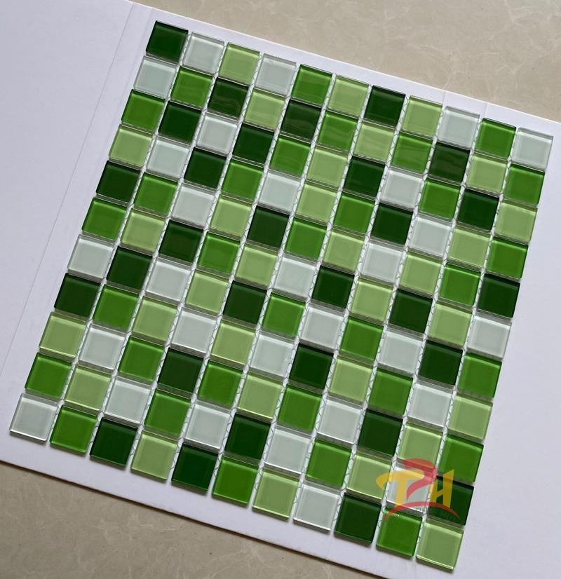 gach mosaic 30x30 xanh trang