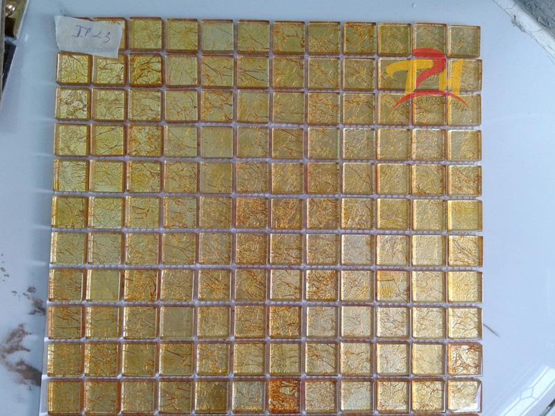 gach mosaic thuy tinh ip23