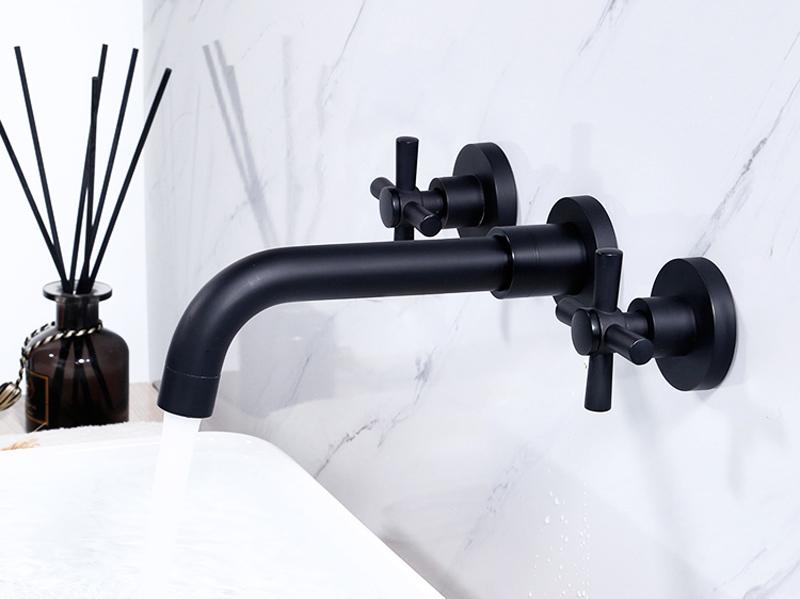 Vòi rửa mặt lavabo gắn tường GCT07B